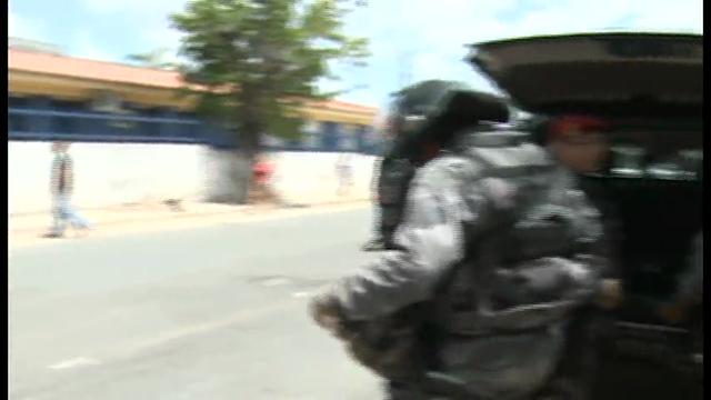 Após uma rebelião iniciada por dois adolescentes, dois instrutores e um menor sofreram agressões, no Centro Educacional Dom Bosco, no Passaré.