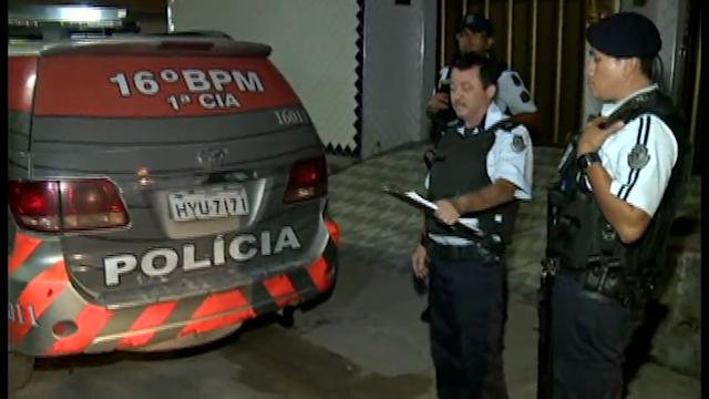 Quatro homens foram detidos, após tentarem assaltar um Policial Militar no bairro Aracapé