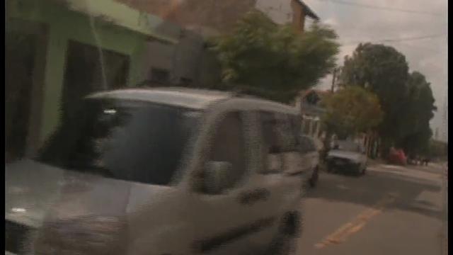 Troca de tiros entre policial e bandidos.