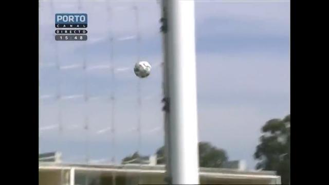 Porto II 1-1 União Madeira - Golo de Élio Martins (45min)