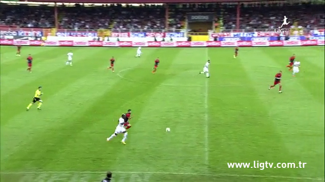 Resumo: Mersin İdmanyurdu 4-2 Eskişehirspor (26 Outubro 2014)