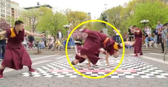 Música interrompe meditação de monges budistas e a reacção deles é... IMPOSSÍVEL DE ACREDITAR
